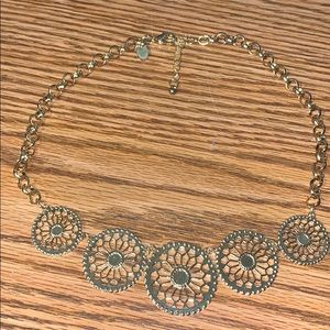 Beautiful accent necklace
